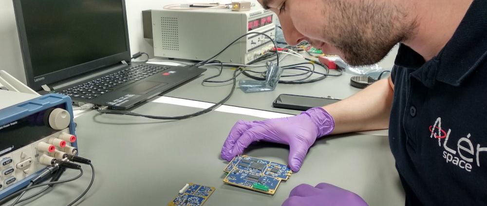 Sateliot lanza nanosatélites para dar conectividad a dispositivos IoT del sector logístico